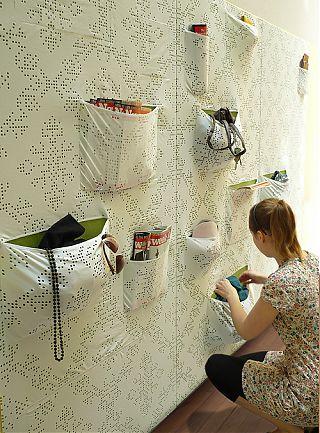 Тогда именно для Вас дизайнер Maja Ganszyniec придумала одежду с карманами для стен.  Проект называется...