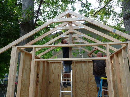 Как построить мансардную крышу на дом своими